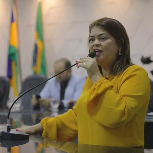 Cássia Muleta participa de Audiência Pública da CPI da Energisa em Ji-Paraná