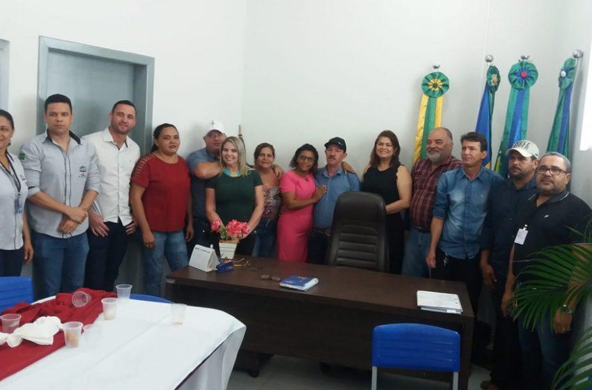DEPUTADA CÁSSIA VISITA GOVERNADOR JORGE TEIXEIRA E PROMETE MAIS EMENDAS PARA AJUDAR O MUNICÍPIO
