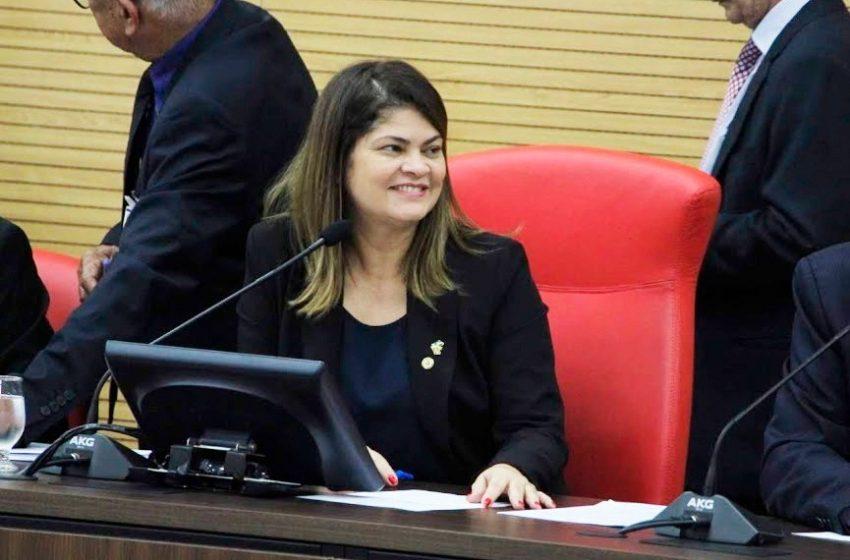 Deputada Cassia libera emenda de 800 mil reais para recuperação de vias urbanas de Theobroma