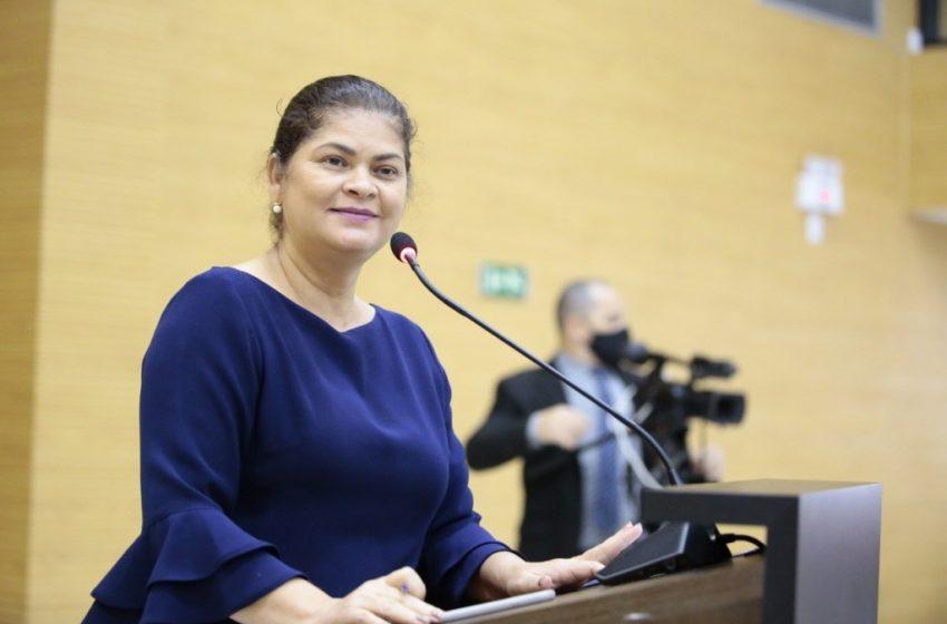 Deputada Cassia protocola indicação para realização de melhorias em instituições de ensino de Jaru