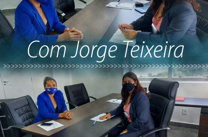 DEPUTADA CASSIA RECEBE SECRETÁRIA DE ASSISTÊNCIA SOCIAL DE GOVERNADOR JORGE TEIXEIRA E REAFIRMA COMPROMISSO COM O MUNICÍPIO: